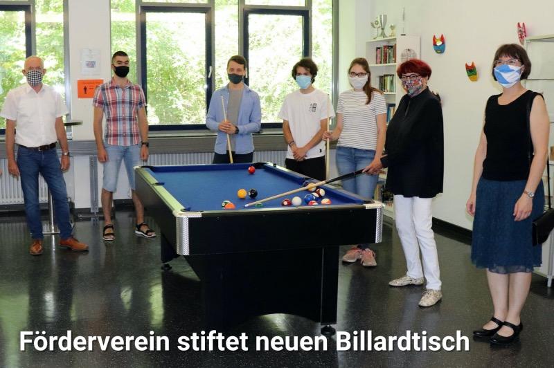Förderverein stiftet neuen Billardtisch